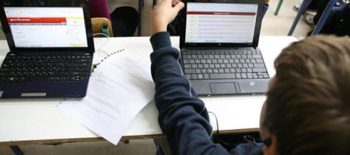 παιδί μπροστά σε tablet
